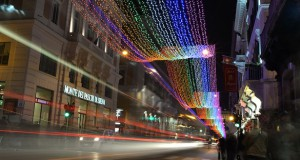 ITALY-THEME-CHRISTMAS-COLORS-GAY
